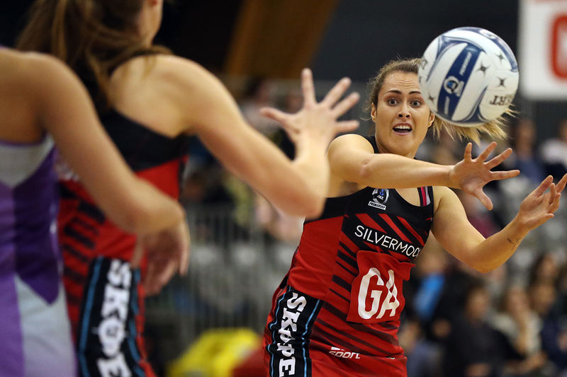 Pulsating late charge helps Tactix pip Stars